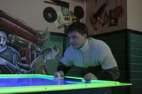 Ковчег играет в аэрохоккей